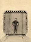 Ansicht der Rückseite eines Mangan Stahl Safes, Hibbard Rodman Ely Safe Company, Plainfield New Jersey, Platinotypie um 1900 © Milaneum 2018