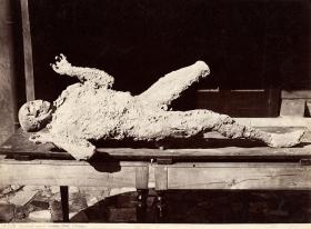 Impronte umane, Pompei, Giorgio Sommer, Albuminabzug ca. 1880 ©Mila Palm 2018
